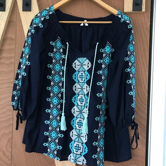 crown & ivy Tops - Crown and Ivy Tunic Blouse 💫 black/blue 🌟 small